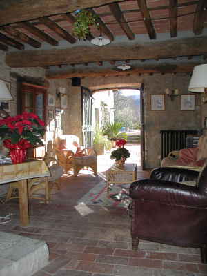 ground floor sitting room Tuscan farmhouse Le Mura Di Sopra